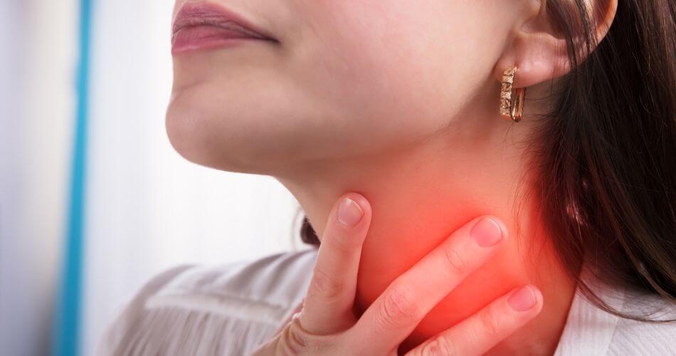 ból gardła przy przełykaniu